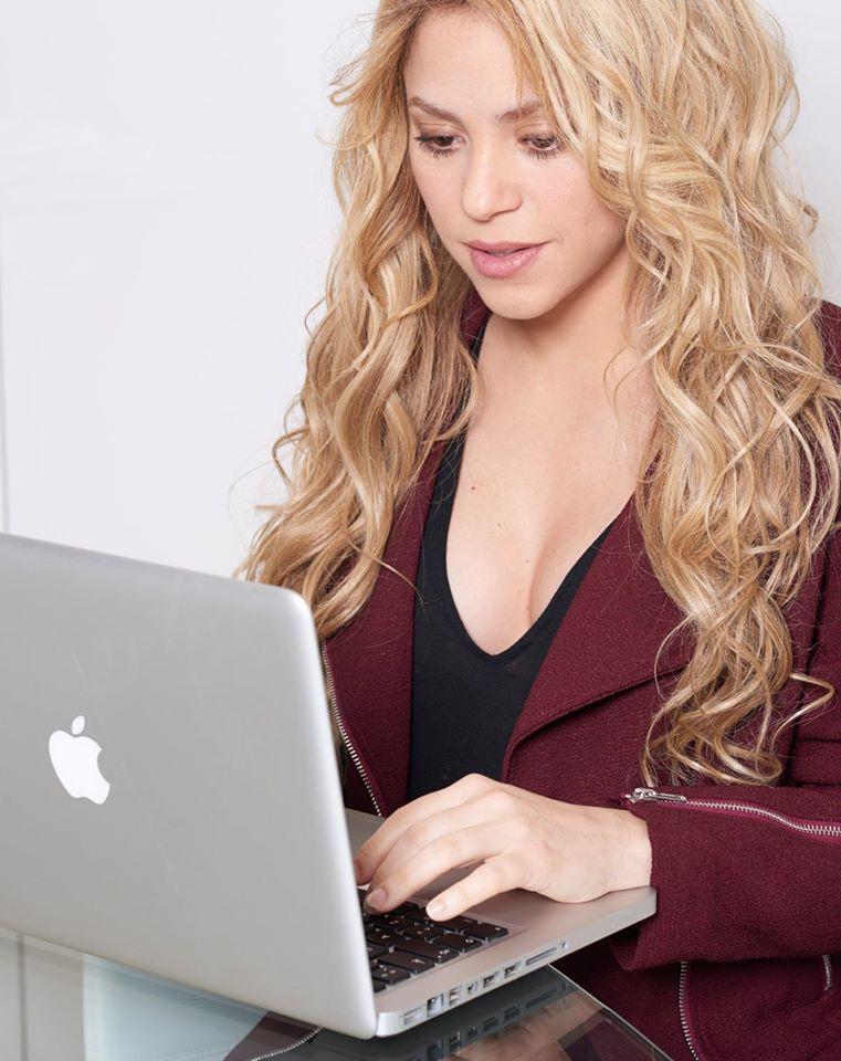 Shakira Feet Pics